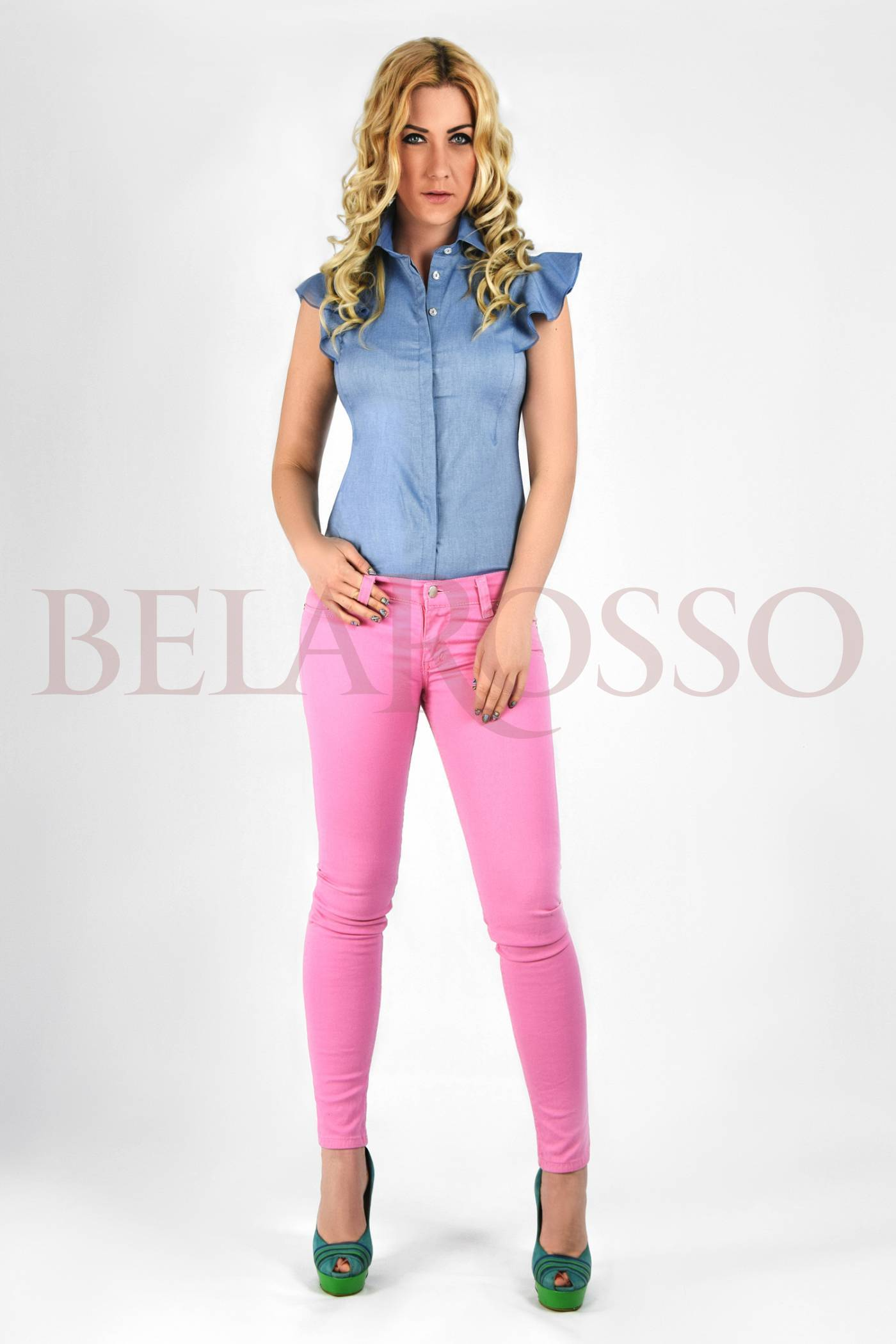 Розовые брюки с доставкой